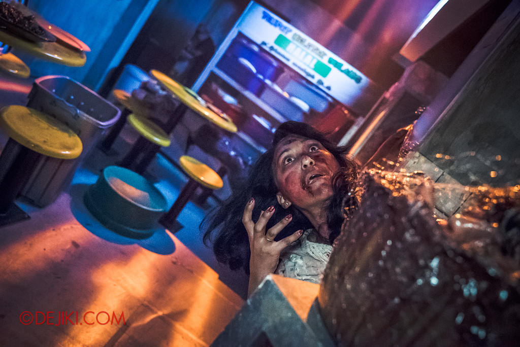 Halloween Horror Nights 6 Sneak Preview - Hawker Centre Massacre 2