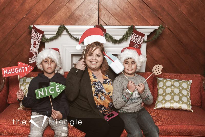 awkward-family-photo-booth-032.jpg