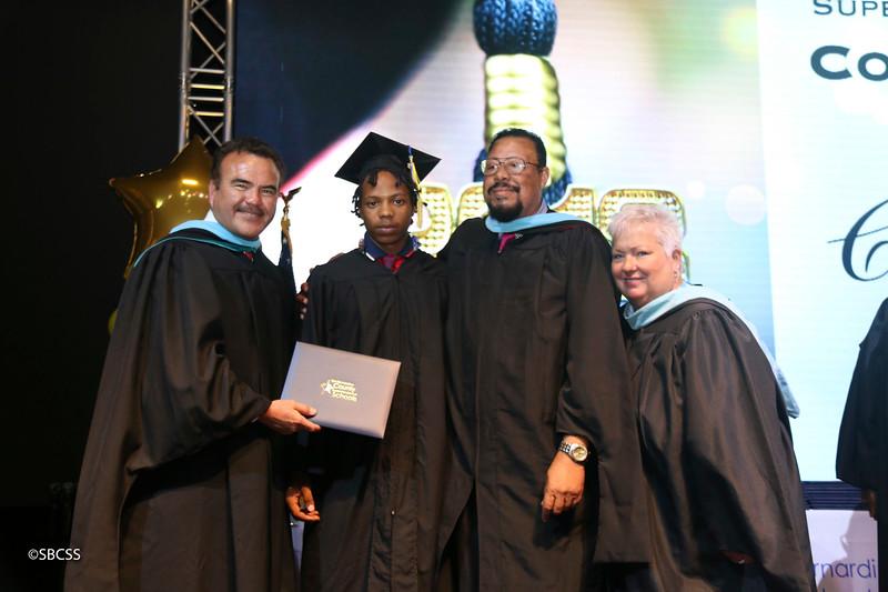 20180615_StudentServGrad-diplomas-15.jpg