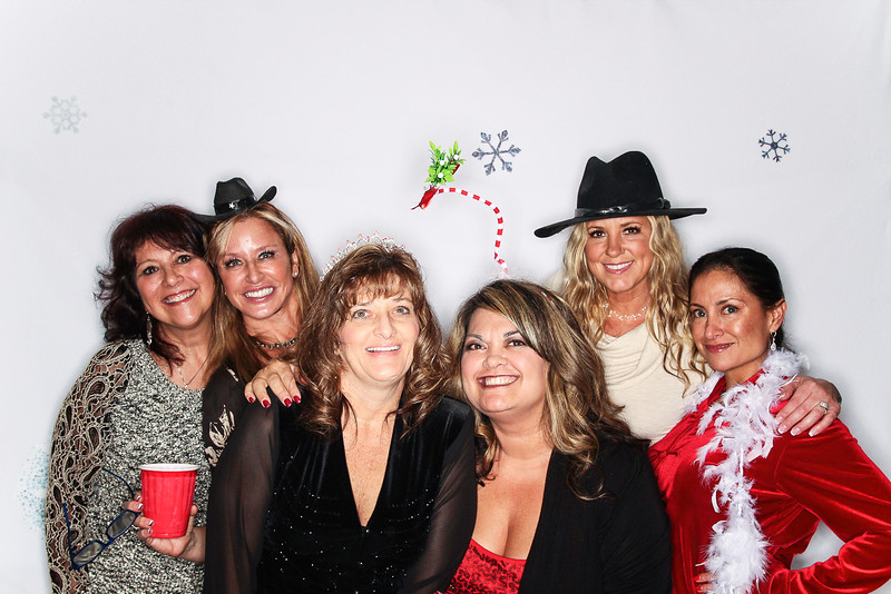 Ayuda and Auxillio Christmas Party 2015-Photo Booth Rental-SocialLightPhoto.com-71.jpg