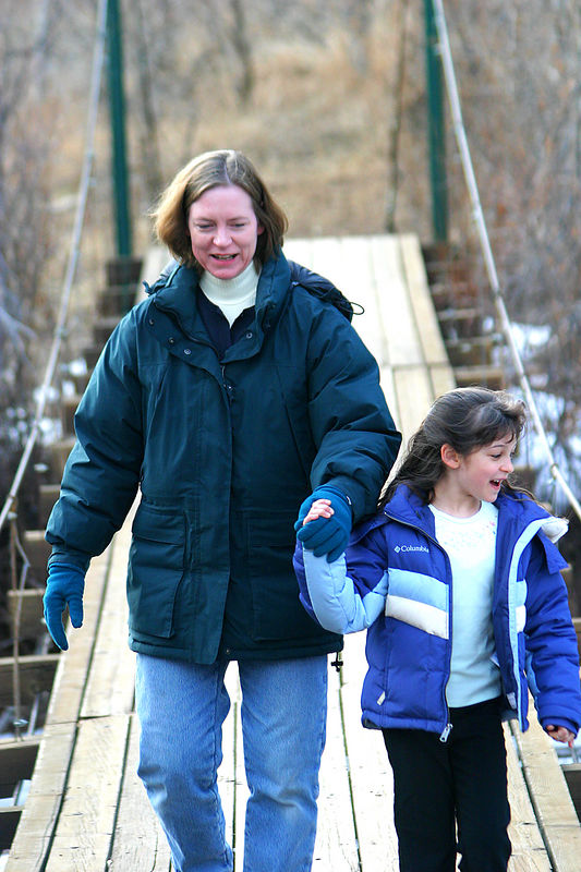 Anisa helping her mother cross the suspension bridge.  Linda was a trifle apprehensive!
