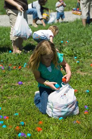 2007/04/01 - New Day Church Easter Egg Hunt