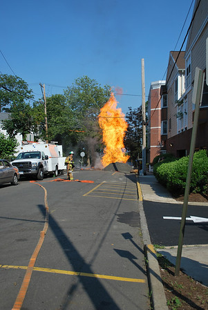 "Nyack, NY 12"" Gas Main Rupture/Fire 6/21/2012"