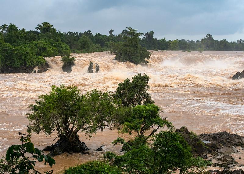 Khonephapheng falls.jpg