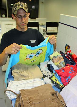 Helping Wash Clothes, Laundromat, Tamaqua (9-17-2013)