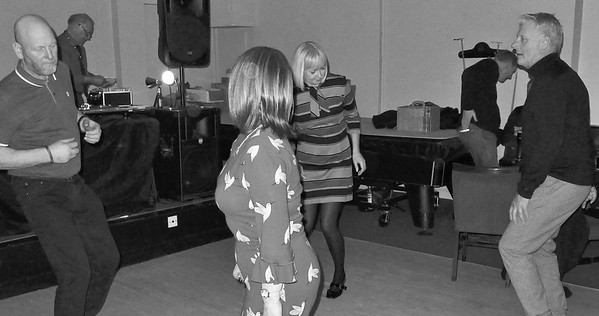 VINYL BEAT ''Move To The Groove'' part 1 & 2, GWYNNES CLUB, LINCOLN,