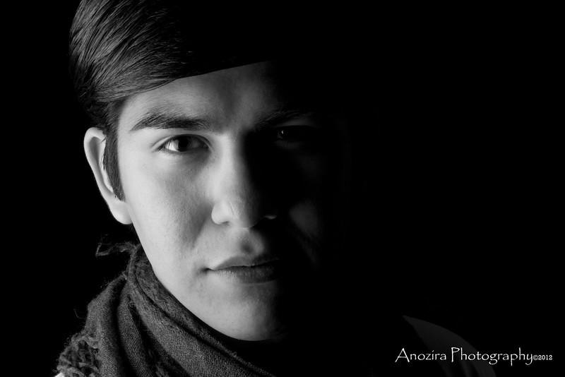 2012Mar06_Justin Flores_B & W Headshot.jpg