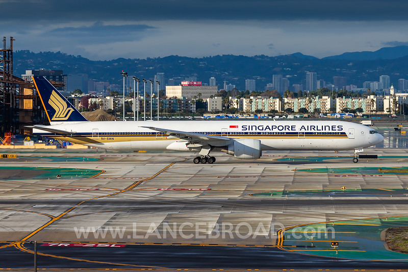 Singapore Airlines 777-300ER - 9V-SWN - LAX