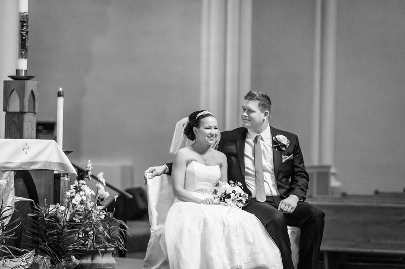 Jennie & EJ Wedding_00244-BW.jpg