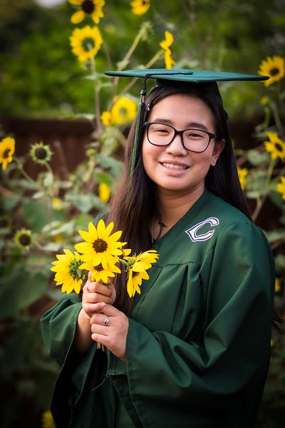 20200521_sarah-friends-connally-graduation_081.jpg