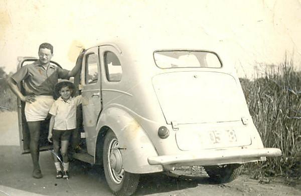 Portela e filho Carlos no Ford Prefect