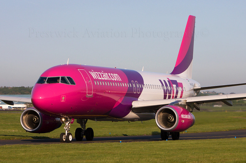 HA-LPD. Airbus A320-233. Wizzair. Prestwick. 130508.