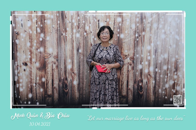 QC-wedding-instant-print-photobooth-Chup-hinh-lay-lien-in-anh-lay-ngay-Tiec-cuoi-WefieBox-Photobooth-Vietnam-cho-thue-photo-booth-050.jpg
