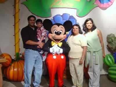 11-2003 Disney