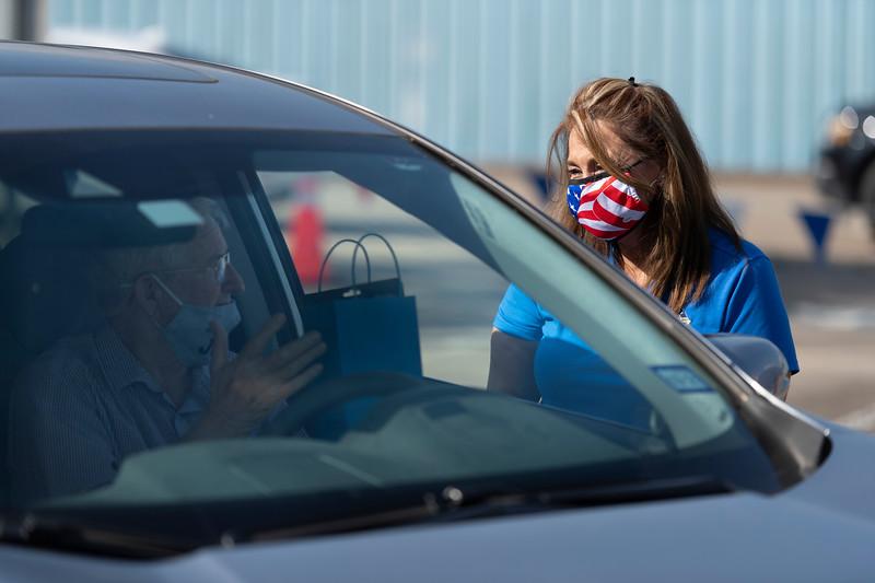Veterans Drive Through_2020_015.jpg