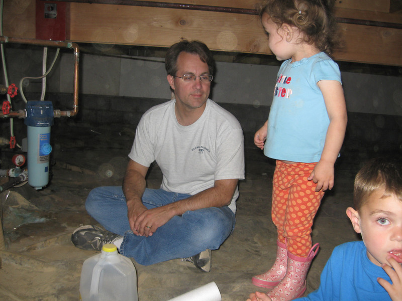 Labor Day on the Kenai Peninsula.  It's fun being under Grandmother's house to close the vents for winter and change the water filter.  Well, fun for the kids..... they didn't have to duck to move around.