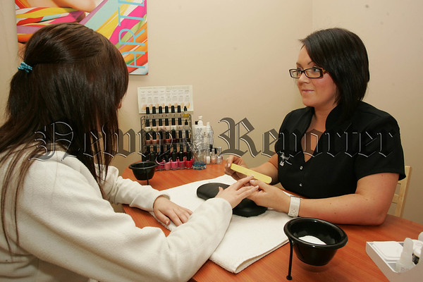 THe Nail Bar at Pampered Belle Warrenpoint. 07W35N12