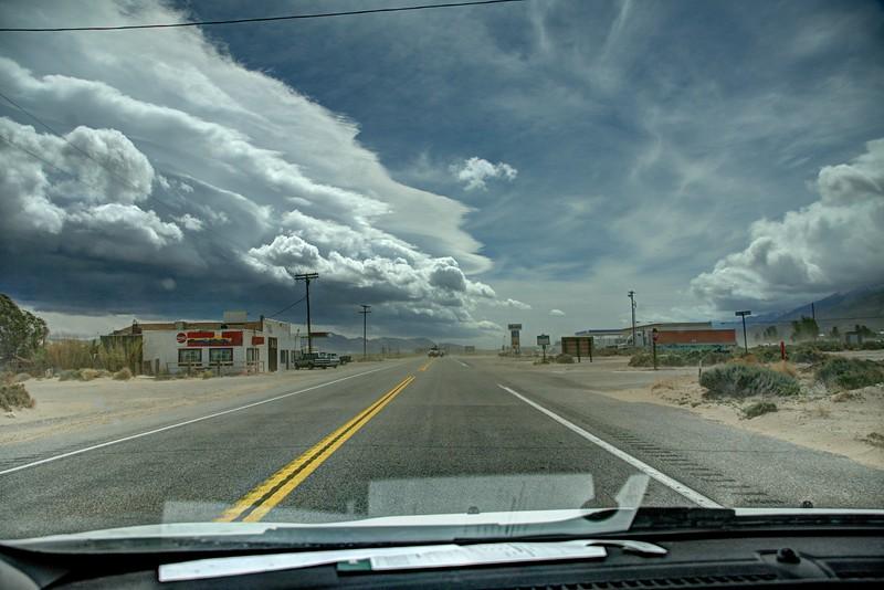 Owens-Valley-Sandstormlifor-windshieldShot-Beechnut-Photos-rjduff.jpg