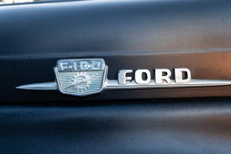 Ford F100-6.jpg