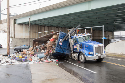 Pine St. Garbage Truck Rollover (Bridgeport, CT) 3/13/18