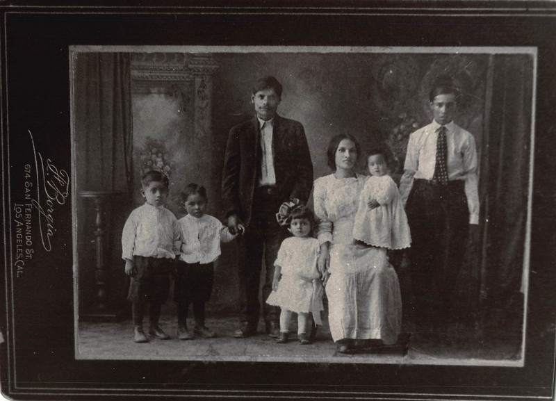 1900s-young-reyes-family.jpg