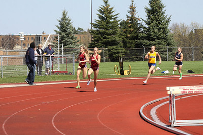 Men's and Women's 200 and 400 Meters - 2012 Ferris State Invitational