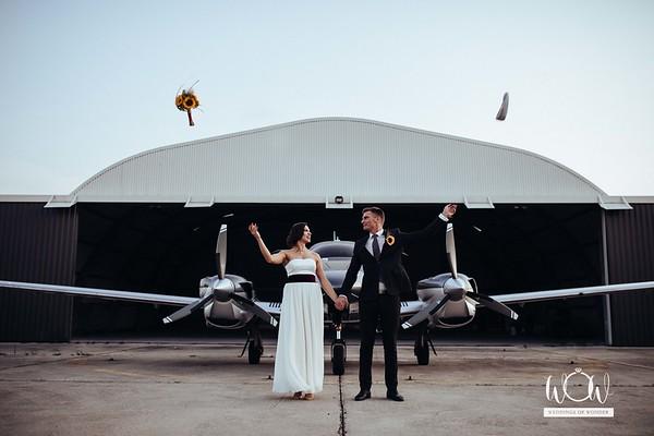 Weddings of Wonder esküvői csapat - Hangár fotózás