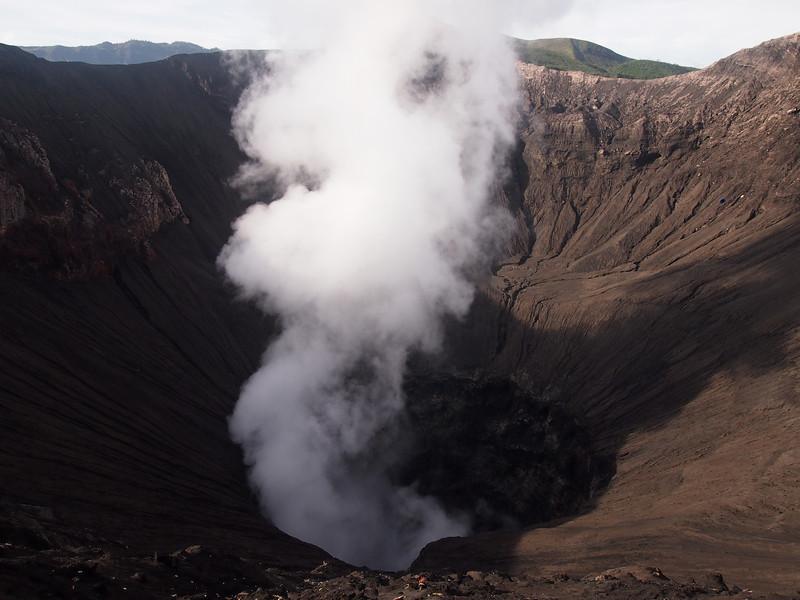 P4166969-steaming-bromo-crater.JPG