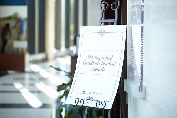 2018 Distinguished Graduate Student Awards
