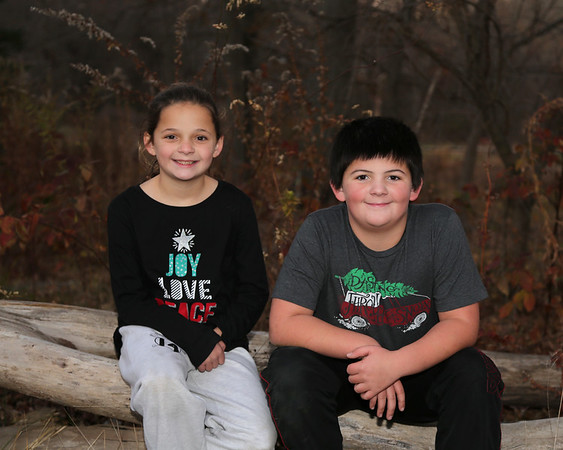 11-29-17 Xmas photo shoot Jack and Rylie
