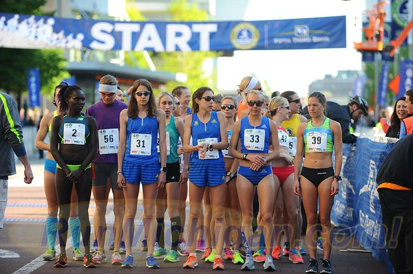 25K Elite Women Start - 2017 Fifth Third River Bank Run
