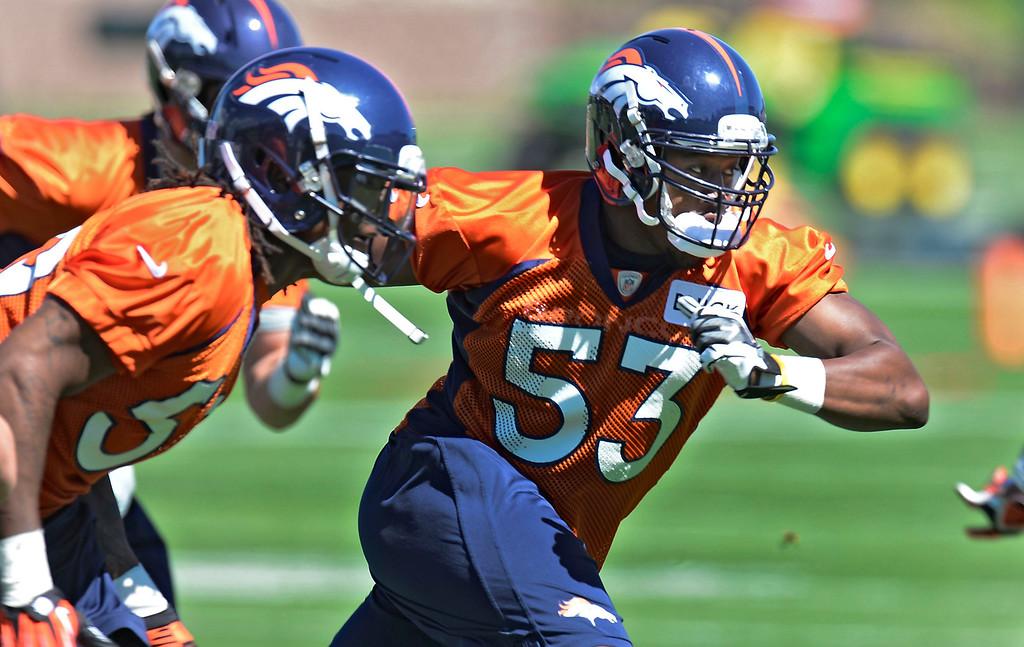 . Denver Broncos Steven Johnson (53) runs through drills during OTA\'s May 30, 2013 at Dove Valley. (Photo By John Leyba/The Denver Post)