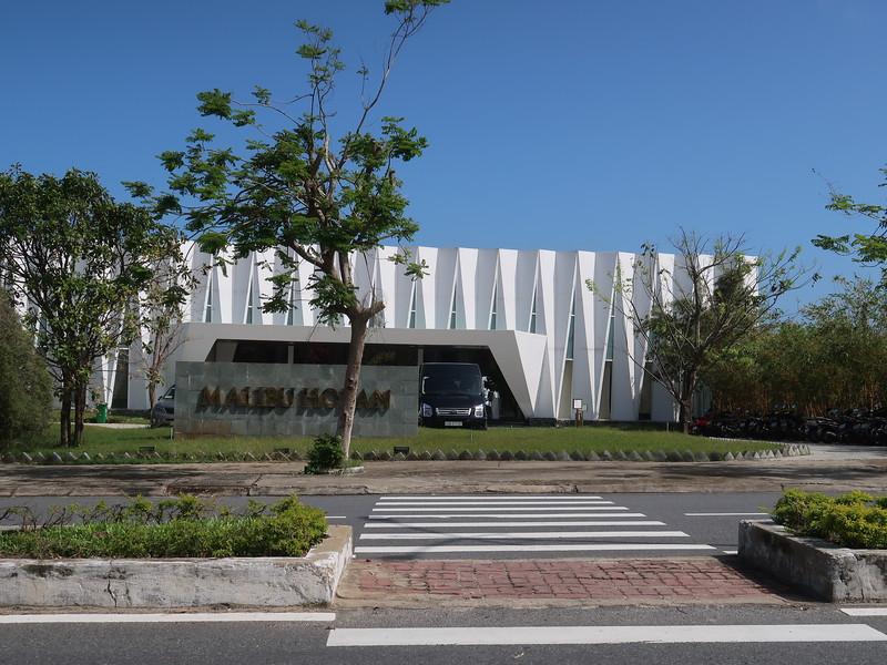 IMG_5491-malibu-hoi-an-showroom.JPG