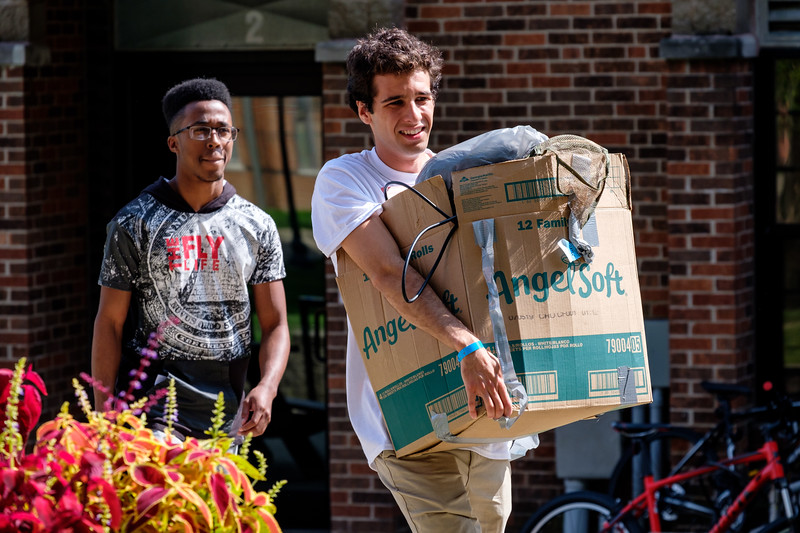 RHIT_Freshman_Move_In_Day_2019-6745.jpg