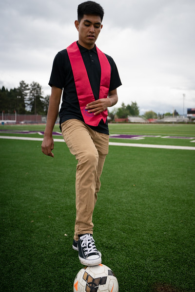 1905_15_efrain_senior_pictures-03670.jpg
