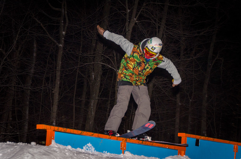 Nighttime-Rail-Jam_Snow-Trails-42.jpg