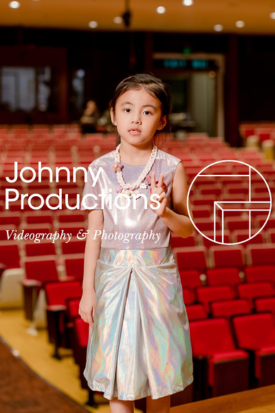 0087_day 1_orange & green shield portraits_red show 2019_johnnyproductions.jpg