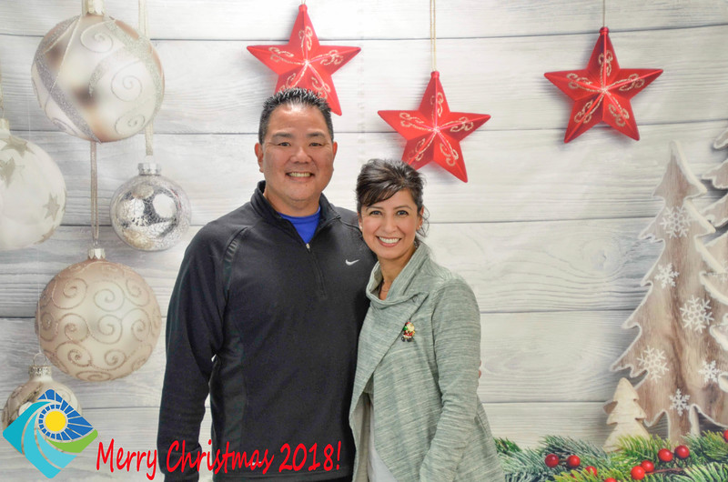 Christmas Photobooth 2018-047_01.jpg