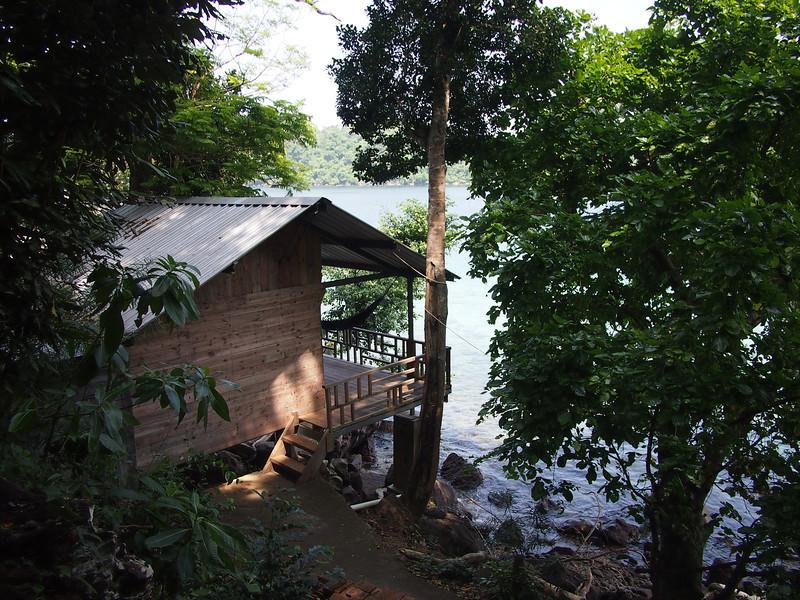 P1255656-bungalow-iboih.JPG
