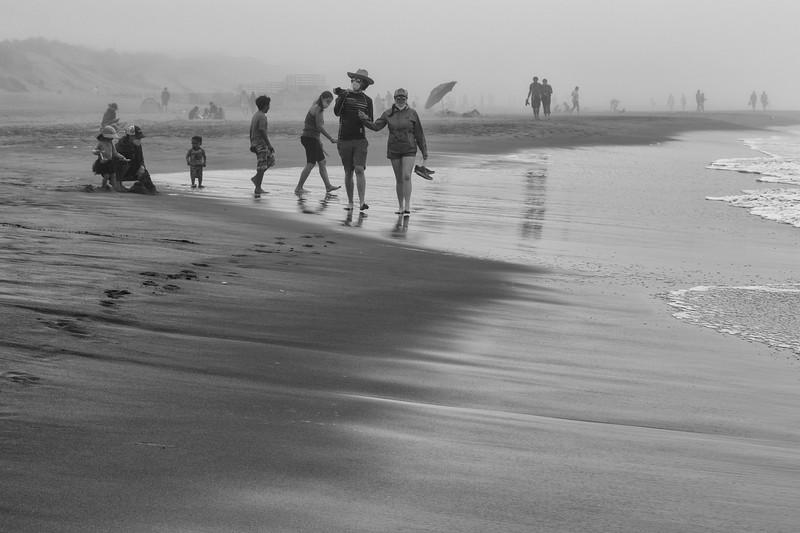 ocean beach quarantine 1x5213610-3-20.jpg