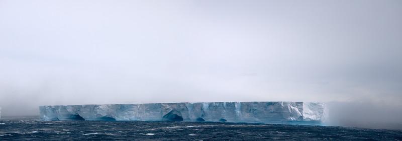 Tabular Iceberg Antarctica 11232010.jpg