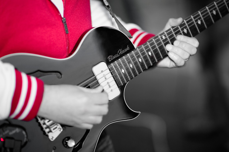 Guitar at Spaldwick Fete_7645932976_o_8179405144_o.jpg