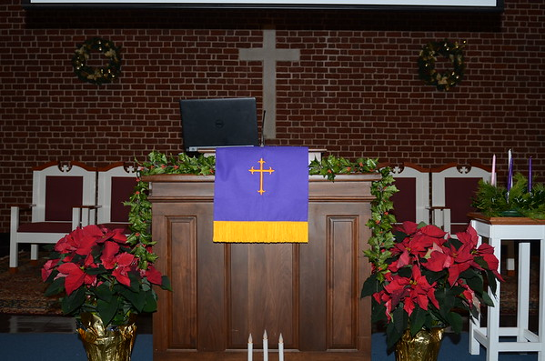 Advent Chapel Services
