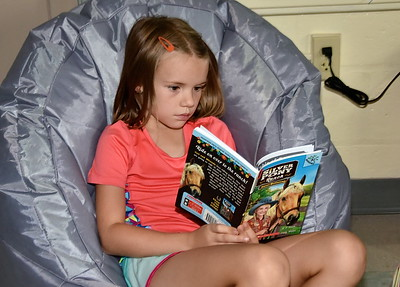 Mrs Snow's Daily  Five Reading Practice photos by Gary Baker