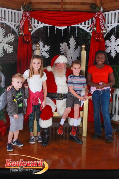 Santa 12-10-16-230.jpg