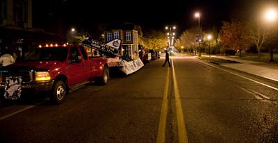 TC_10_23_09_homecoming_parade-106.jpg