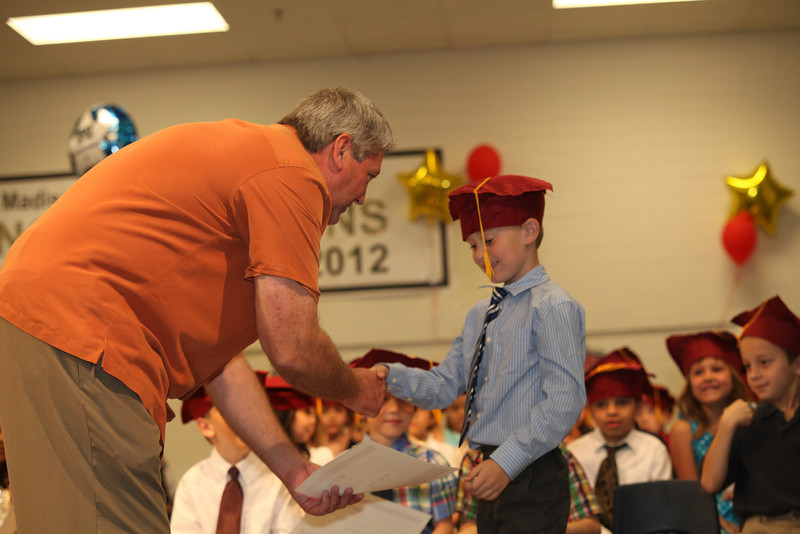 2012May18_MTA Kinder Grad_9734.JPG
