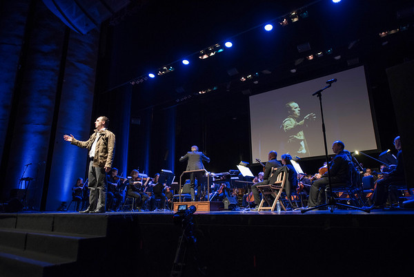 DAVID LIPNOWSKI / WINNIPEG FREE PRESS   Actor, writer, director Simon Miron performs with Winnipeg Symphony Orchestra performs Symphonie Fantastique on Tuesday, October 18, 2016 at the Centennial Concert Hall.