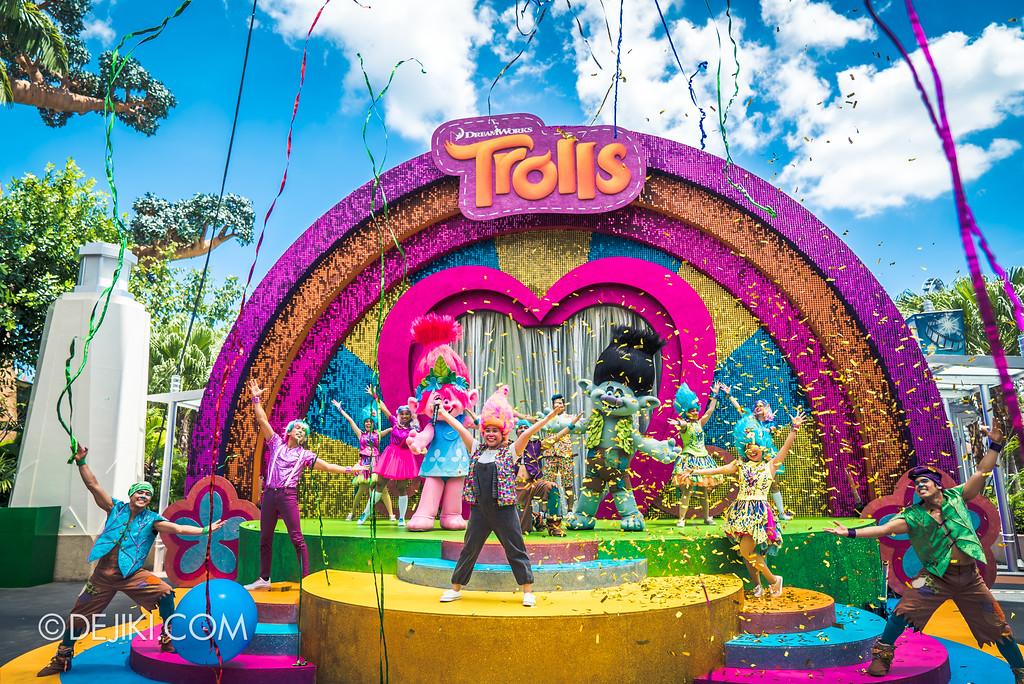 Universal Studios Singapore Park Update March 2018 TrollsTopia event - TrollsTopia show finale