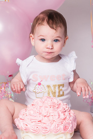 Liana's First Birthday Cake Smash